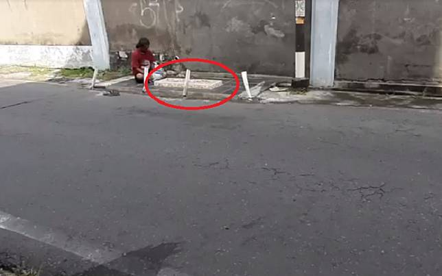 Makam Mbah Precet di Kampung Teposanan, Kota Solo dikunjungi peziarah (Foto: iNews/Septyantoro)