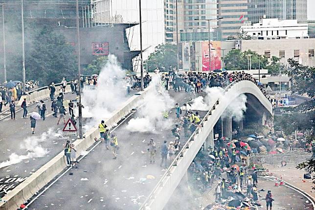 修例風波引發近半年暴亂,至今仍未平息。