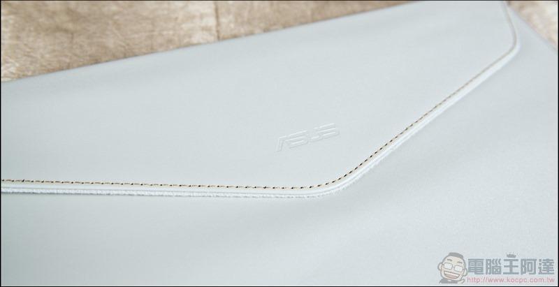 ASUS ZenBook Duo UX481 開箱 - 07