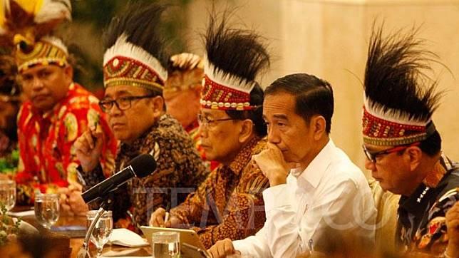 President Joko Widodo or Jokowi when receiving Papuan figures at the State Palace in Jakarta, Monday, September 10, 2019.  TEMPO/Subekti.