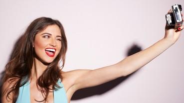 【泡菜妹瘋什麼】還在自拍討拍嗎? 3 大「不露臉構圖」手法,你也能人氣高漲!