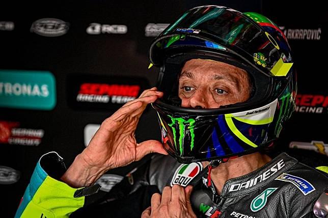 Valentino Rossi Terpuruk di MotoGP 2021, Begini Analisis Petrucci
