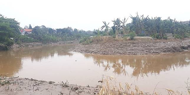 Kala Warga Cililitan Bersiap Hadapi Musim Banjir Tiba....