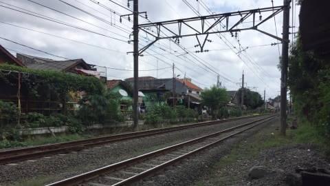 Ibu Guru Tertabrak Kereta di Dekat Stasiun Cawang