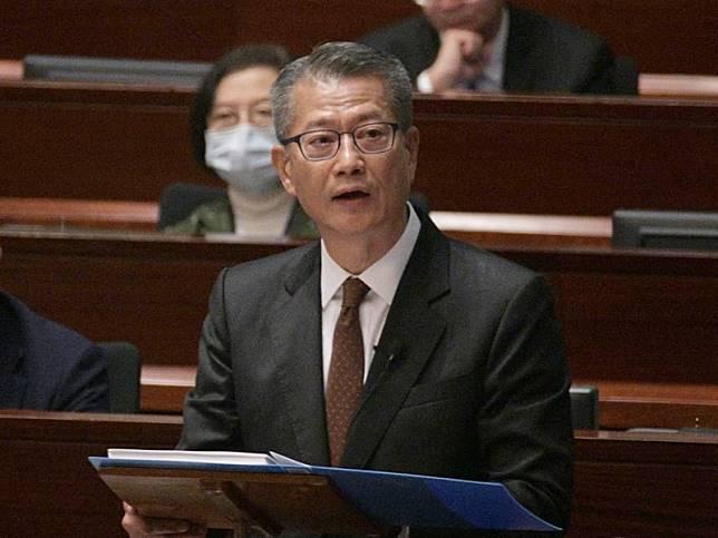陳茂波料今年經濟實質增長-1.5%至+0.5%。