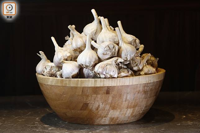 蒜素具抗菌及抗病毒之效,故宜多用蒜頭煮食。( 資料圖片)