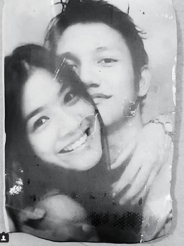 Foto Titi Kamal dan Christian Sugiono pada tahun 1999. Instagram