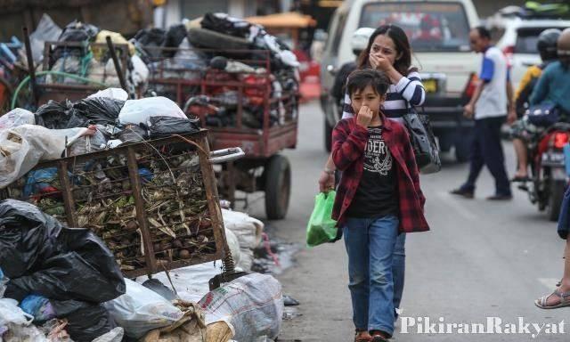 Tumpukan Sampah di Lembang, Kabupaten Bandung Barat, beberapa waktu lalu.*/DEDEN IMAN/PR