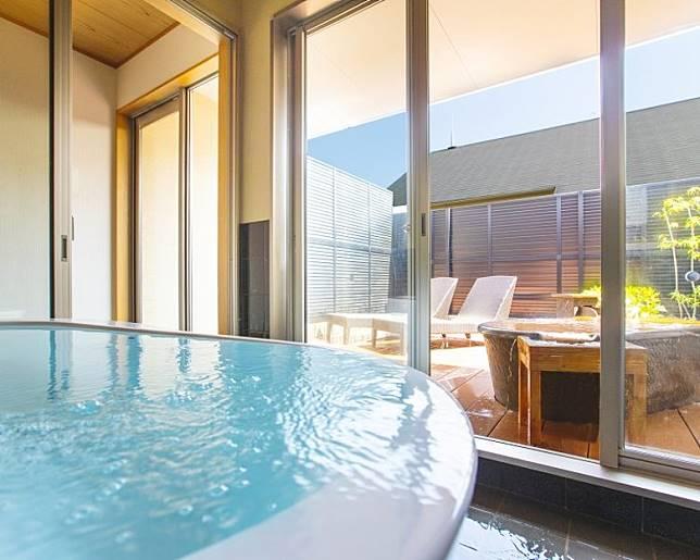 另一款包租風呂為「水素風呂」,場地布置非常舒適。(互聯網)