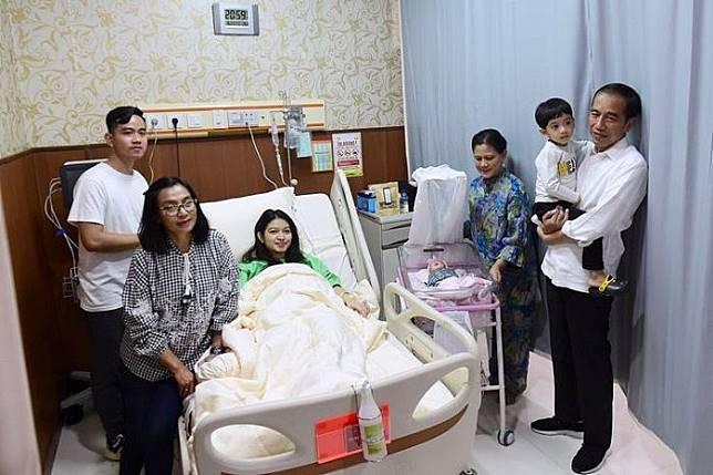 Presiden Joko Widodo menjenguk cucu ketiganya yang bernama La Lembah Manah