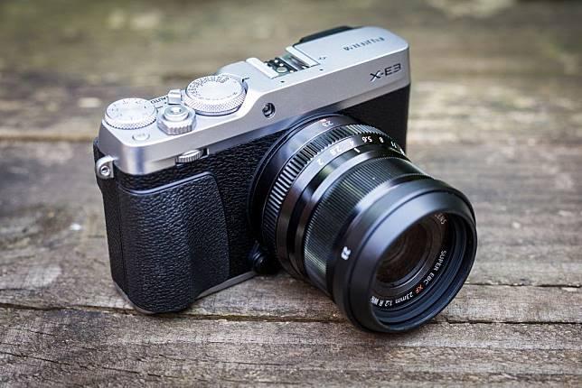 5 Rekomendasi Kamera Terbaik untuk Aktivitas Travelling f73c7b3d5f