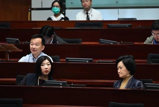 新民黨容海恩動議譴責鄭松泰。
