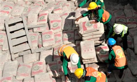 Ekspansi Pasar Pontianak, SMBR Kirim 2.750 Ton Semen