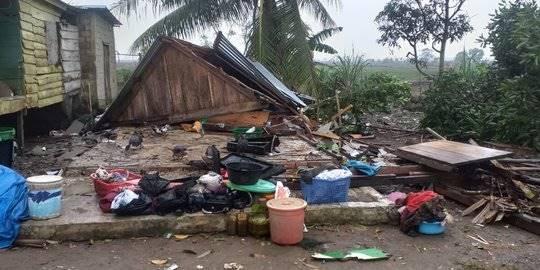 Puting Beliung Hantam 3 Desa di Banyuasin, 82 Rumah Hancur