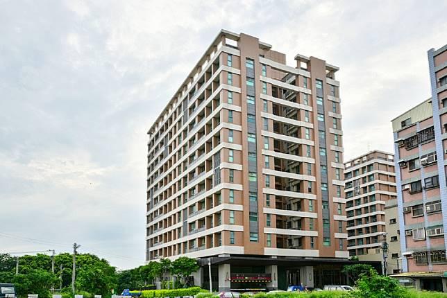 ▲目前新竹市新大樓3房加車位大多超過千萬元。(圖/信義房屋提供)