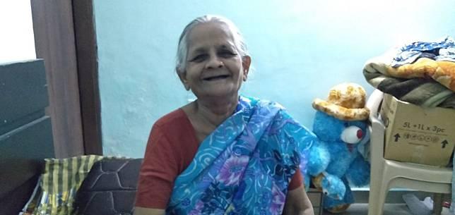 Uangnya Dirampas Dipukuli dan Diusir Anaknya saat Corona Nenek 70 Tahun Diadopsi Pengusaha India