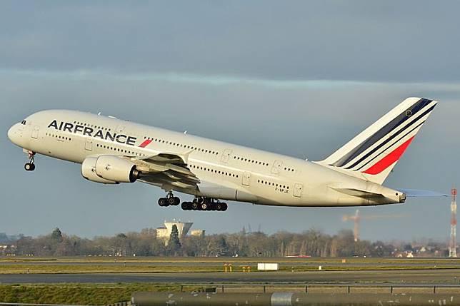 Air France tetap layani penerbangan ke Kairo