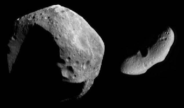 Ilustrasi dua asteroid berbeda yang tertangkap NASA. Kredit: NASA/JPL/JHUAPL