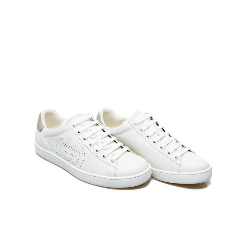 2020春夏新品全新真品 Gucci 男款小牛皮 GG 打孔Logo Ace 白色球鞋IT 39/39.5/40/40.5/41/41.5/42/43 (尺碼偏大,建議選擇小半號的尺碼)由白色和柔軟的