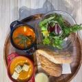 スープ2種類 - 実際訪問したユーザーが直接撮影して投稿した新宿カフェeat more SOUP&BREADの写真のメニュー情報