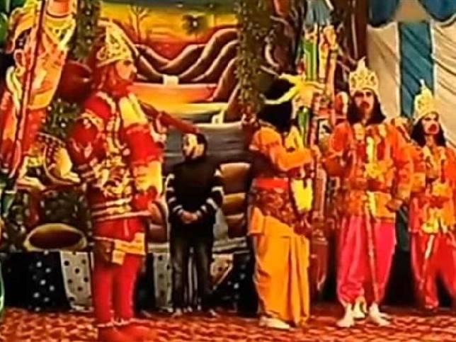 Potongan gambar dari video pertunjukkan Ramleela.[YouTube/Gulfnews]