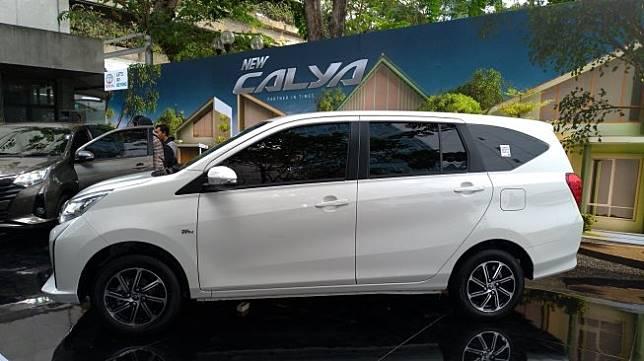 New Toyota Calya dipamerkan di Jakarta, Senin (16/9/2019). [Suara.com/Manuel Jeghesta Nainggolan]
