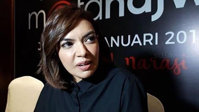Najwa Shihab ditemui di sela-sela jumpa pers kembalinya program talkshow Mata Najwa, di kawasan Tendean, Jakarta Selatan, Senin (8/1/2018) [suara.com/Ismail].