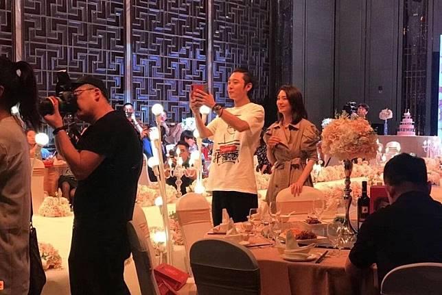 張丹峰和洪欣到哈爾濱出席現朋友婚禮,