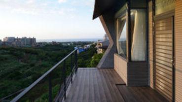 眺望樹海與環境共棲的生態宅
