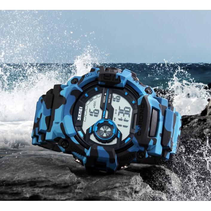 基本資料 品牌:SKMEI 機芯:電子機芯 錶帶:塑膠錶帶 錶殼:塑膠錶殼 鏡面:壓克力鏡面 規格 錶殼:5cm x3cmx2cm 適合手圍:19cm~24cm 防水:一般日常洗手防水功能 請勿配戴游