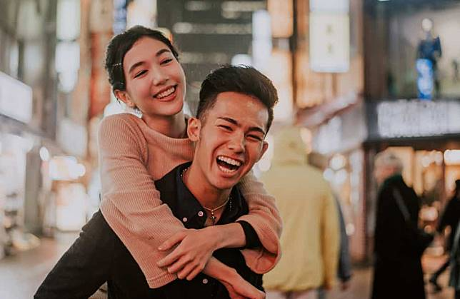 4 Tips Membangun Hubungan dengan Si Ambivert Agar Tetap Langgeng