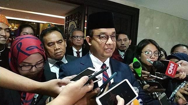 Gubernur DKI Jakarta Anies Baswedan sesuai rapat di gedung DPRD DKI. (Suara,com/Fakhri)