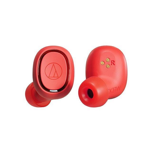 提供出衆解放感的真無線機種。自動電源ON/OFF,提供流暢的聆聽體驗機殼內建觸控機能,貼合指形,可正確進行通話、音量調整及音樂播放功能耳機本體可連續播放最長6小時,搭配充電盒使用,最長可使用30小時支援抗干擾及低延遲的Qualcomm TrueWireless™ Stereo Plus內建佩戴感測器,能自動判斷是否佩戴,執行暫停及播放功能抑制周圍雜訊,左右兩側皆能提供清晰的免持通話品質配合耳形的圓弧機體與專用耳塞,提供穩定佩戴感Technical Data系統■ 通訊方式Bluetooth 標準規格Ver.5.0■ 通訊使用頻段2.4GHz(2.402GHz~2.480GHz)■ 通訊距離視線良好範圍10m以內■ 調變方式FHSS■ 支援Bluetooth協定A2DP、AVRCP、HFP、HSP■ 支援編碼Qualcomm® aptX™ audio、SBC■ 支援內容保護SCMS-T■ 傳輸頻率範圍20~20,000Hz■ NCC 型式認證號碼CCAH19LP5740T5耳機■ 型式密閉式動圈型■ 驅動單元Ø5.8mm■ 輸出感度98dB/mW■ 頻率響應20~20,000Hz■ 輸入阻抗16Ω■ 電源型式耳機 : DC3.7V 鋰離子充電電池(内蔵) 充電盒 : DC3.7V 鋰聚合物電池(内蔵)■ 充電時間耳機:約2小時 充電盒:約2.5小時■ 電池續航力播放音樂時:最長約6小時(耳機) 最長約30小時(搭配充電盒使用時)■ 工作溫度範圍5℃~40℃■ 通話麥克風型式MEMS型■ 通話麥克風指向特性全指向性■ 通話麥克風感度-38dB(1V/Pa, at 1kHz)■ 通話麥克風頻率響應100~10,000Hz■ 重量耳機 : 約4.7g(L側)、約4.7g(R側) 充電盒 : 約49.7g■ 附屬品30cm USB 充電線(USB Type-A/ Type-C™)、耳塞(XS/S/M/L)#耳機 #鐵三角 #藍芽耳機 #無線耳機 #audio-technica #公司貨 #蜂鳥樂器