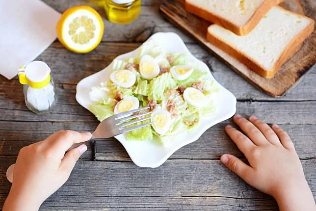 Apakah Makan Kol Kebanyakan Jadi Bau Badan?