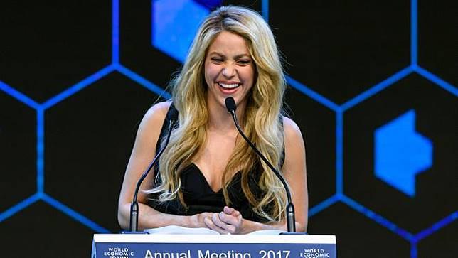 Penyanyi Seksi Ini Terseret Kasus Penggelapan Pajak Bintang Barcelona