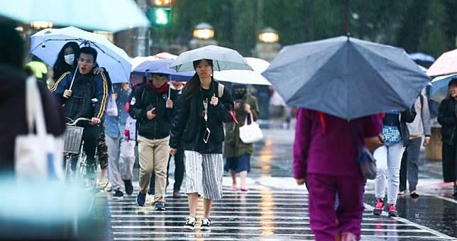 今起變天!18縣市強風特報 北東轉涼有雨