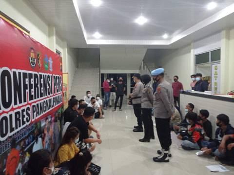 Langgar Prokes, 18 Pengunjung Tempat Hiburan Malam di Pangkalpinang Diciduk