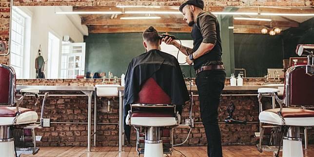 Potong Rambut di Barbershop Jangan Ucap 4 Kalimat Ini