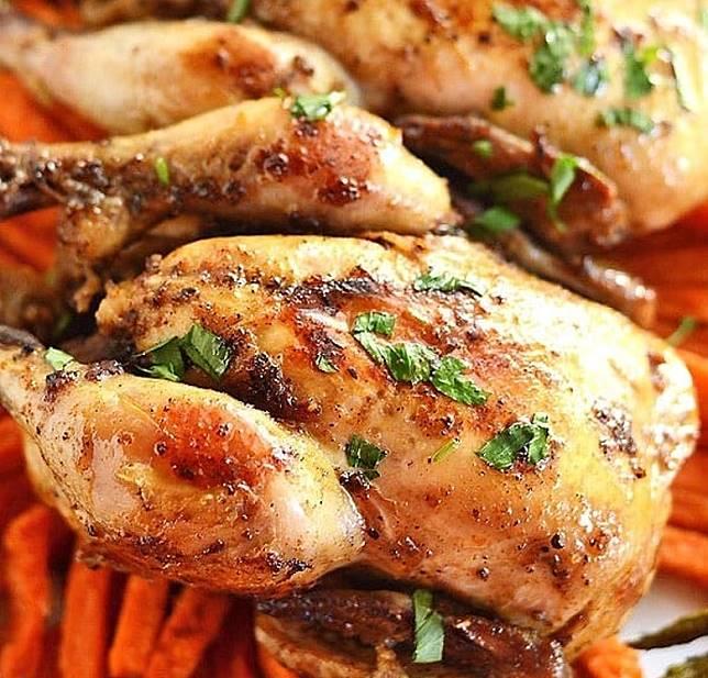 經慢火燜煮的春雞肉,味道濃郁又嫩滑。(互聯網)