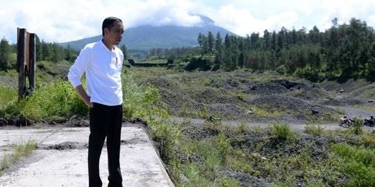 Jokowi di Gunung Merapi. ©2020 Liputan6.com/Lizsa Egeham