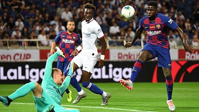 Negoisasi dengan Harry Maguire Alot Manchester United Mulai Membidik Bek Barcelona