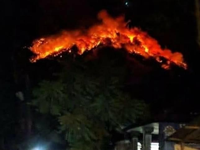 Mount Agung erupts in Karangasem, eastern Bali, on July 2, 2018.
