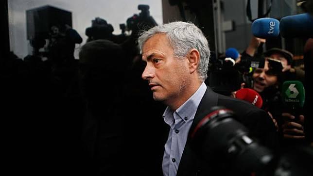 Mourinho Mulai Stres Terlalu Lama Menganggur