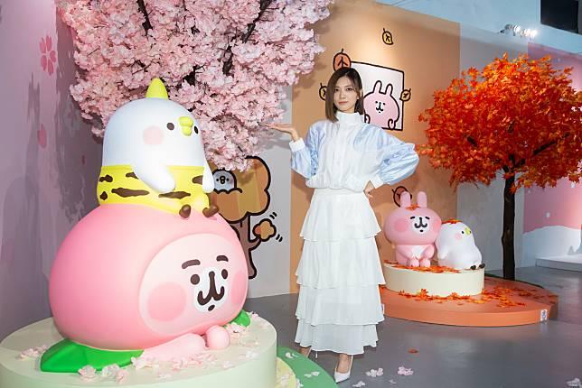 蔡黃汝參觀「卡娜赫拉展-小動物眼中的15年與未來」。記者季相儒/攝影