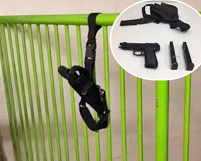 欄杆上發現的槍袋。網圖。小圖為香港警察fb圖片