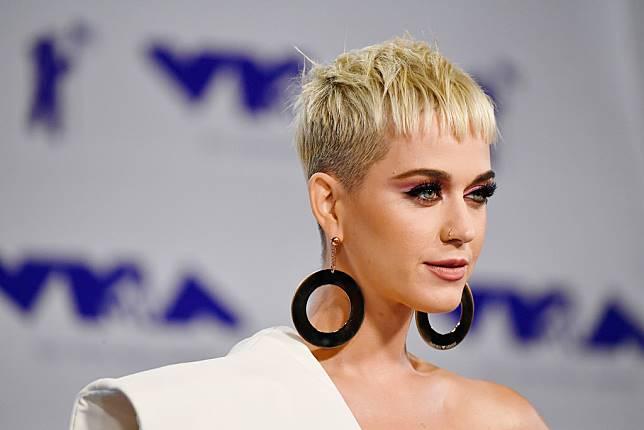 Begini Transformasi Gaya Rambut Katy Perry di Setiap Album Barunya b794c1e4e4