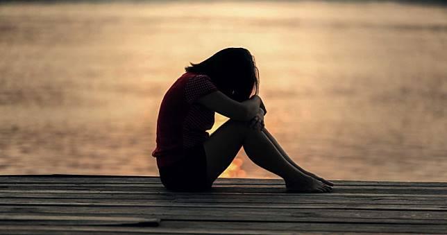 色男欲性侵遭反抗「壓頭進水溝」 17歲少女慘溺死