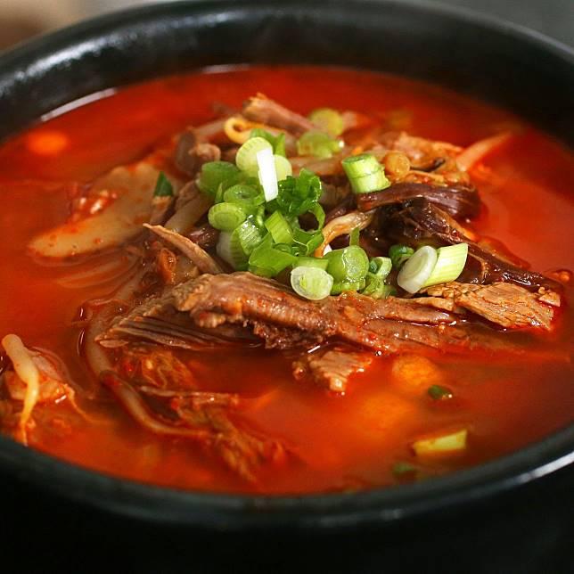 6 Makanan Berkuah Ala Korea Yang Bikin Tubuhmu Terasa Hangat