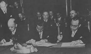 Foto: Penandatanganan Perjanjian New York Antara Indonesia-Belanda.