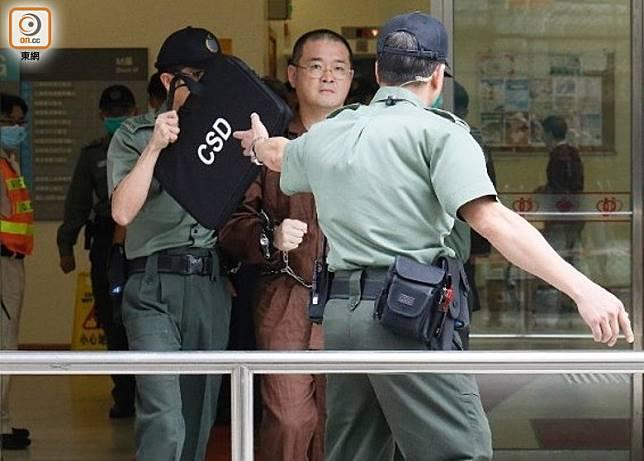 邵家臻(中)曾因佔中案而被判入獄。